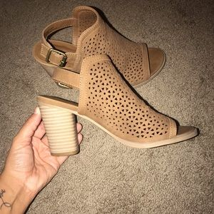 Universal thread cut out pumps